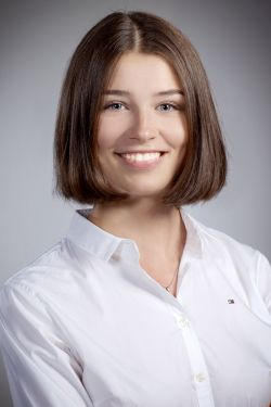 Victoria Hunnenbart