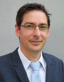 Prof. Dr. Bastian Blombach