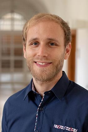 Dr. Manuel Ostermeier