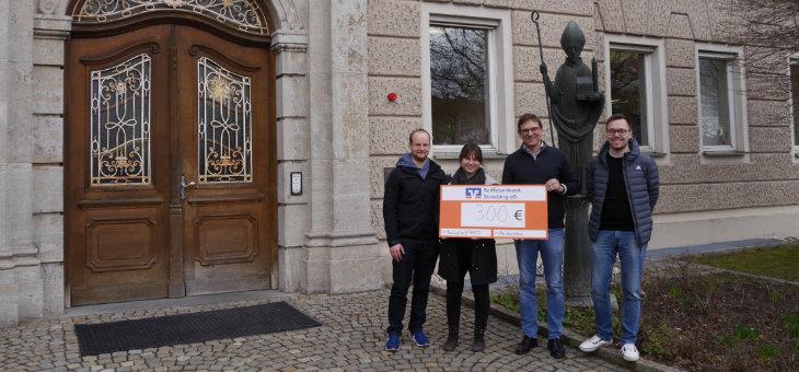 Fachschaft TUMCS übergibt Spende an Bildungszentrum St. Wolfgang