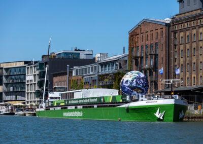 Die MS Wissenschaft im Hafen von Münster