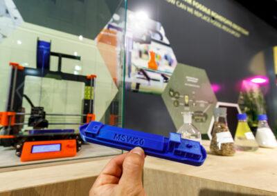 Detailaufnahme des 3d-gedrucken Schiffsmodells aus Bioplastik