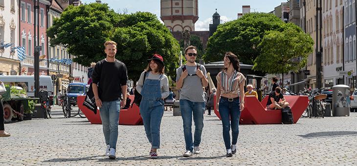 Studenten in der Straubigner Innenstadt