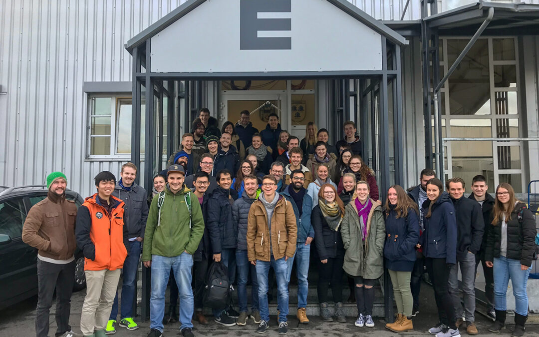 """Really cool"" student trip to the EDEKA logistics center Straubing"